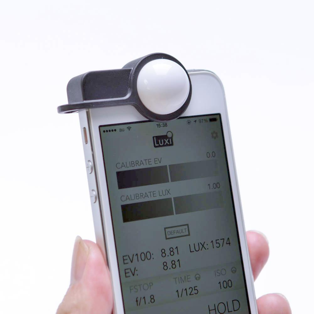 iPhone + 4000円 = 露出計!「Luxi」がやってきた